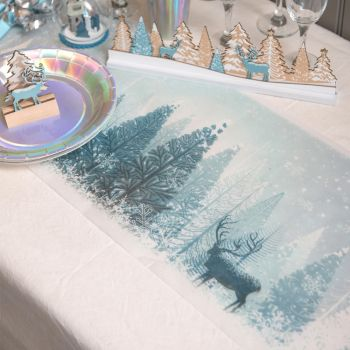 Chemin de table forêt d'hiver bleu glacier