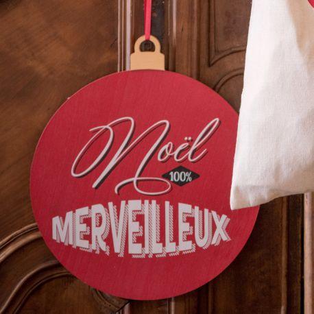 Pancarte à suspendre en bois décor Père Noël d'antan pour une belle décoration de table de NoëlDimensions : 35.5cm x 30cm x 14cm