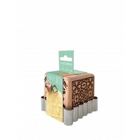 Réalisez de jolis biscuits maison à relief , grâce à ce fabuleux kit emporte pièce + cube de tampons en bois , tamponnez votre...