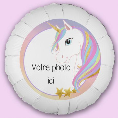Créez la surprise avec ce ballon décor Licorneà personnaliseravec vos photos et messages personnels. Idéal pour la deco de vos fêtes...