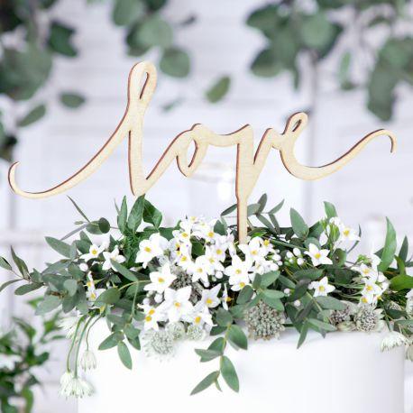 Superbe cake topper en bois Love; pour décorer votre gâteau de baptême, mariage, anniversaire.... décoration naturel, sobre et très...
