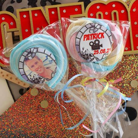 8 sucettes Marshmallowspersonnalisées décor cinema pour vos fêtes, anniversaire et événements. Ultra original pour vos candy...