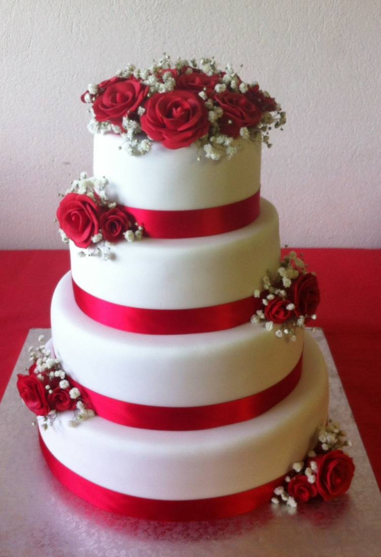 Wedding cake avec roses